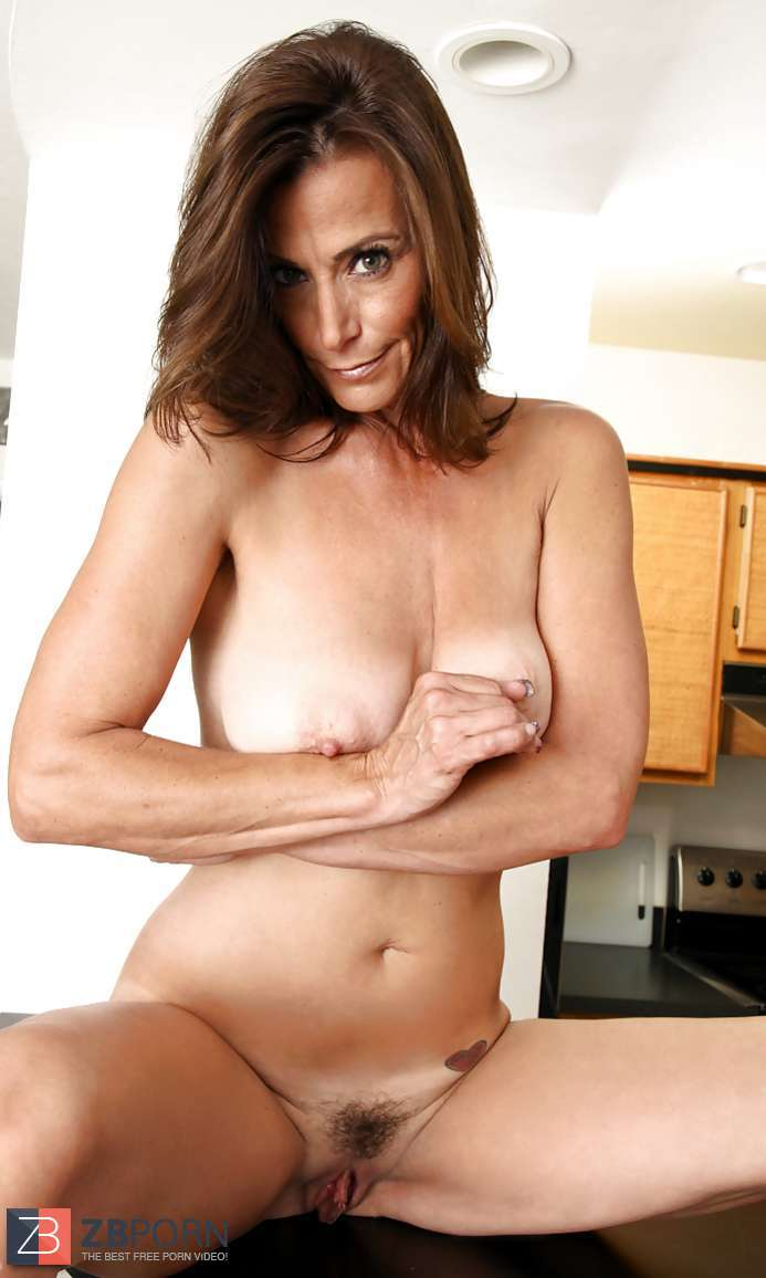 Mimi Moore
