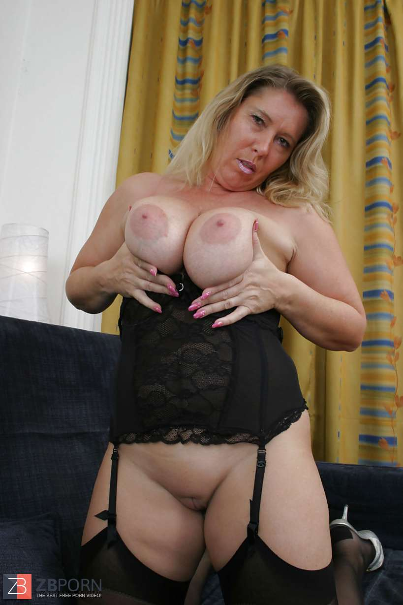 Hot Mature Stocking Pics