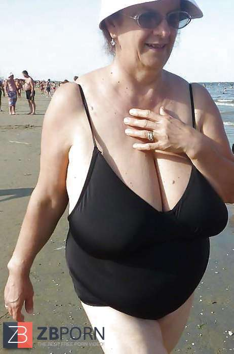Scorching Swimsuit Granny Plumper  Zb Porn-1129