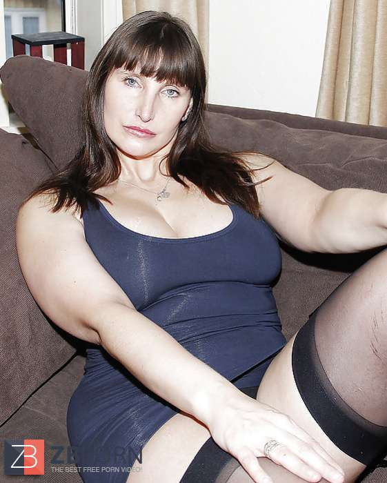Sexy babe garter tits