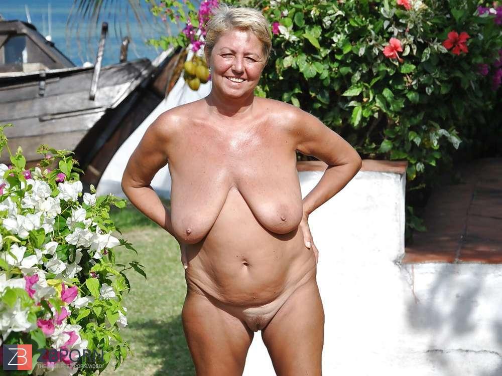 Seductive women nude porn