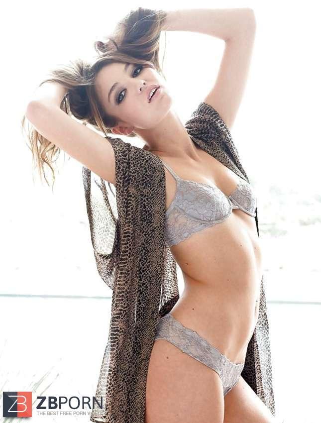 Lili Simmons / ZB Porn