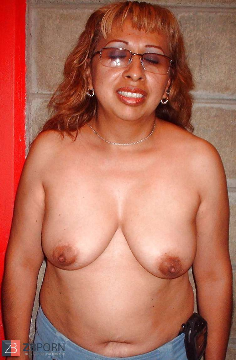 Amateur Mature Natural Tits