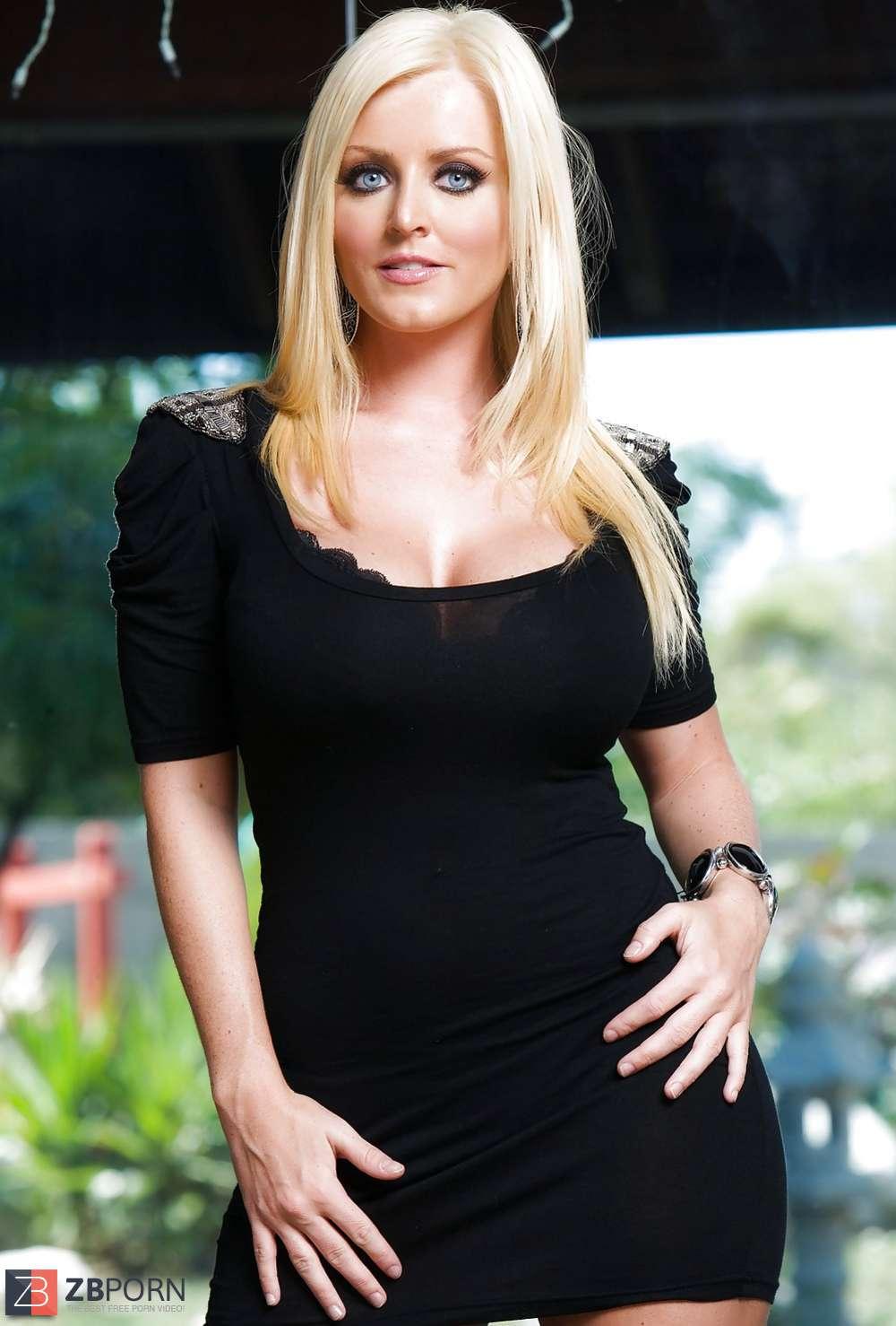 British Phat Ass White Girl Sophie Dee - SurlyD!! / ZB Porn