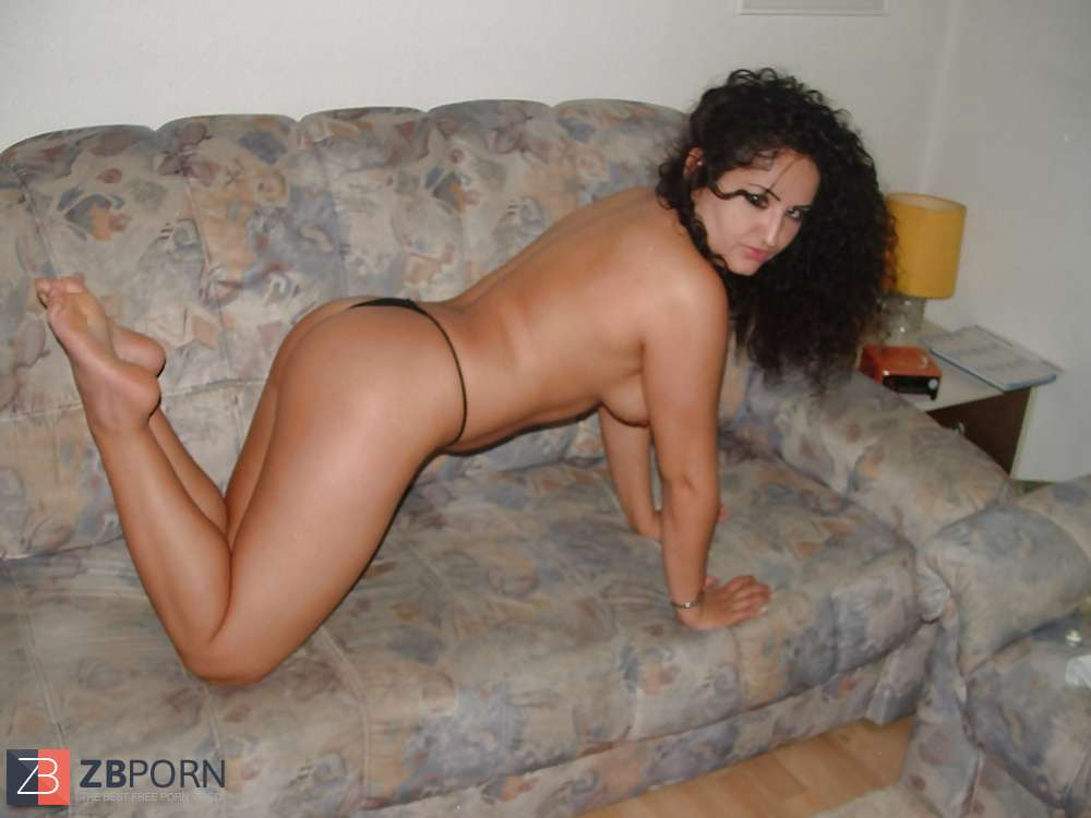 Türkin Nude