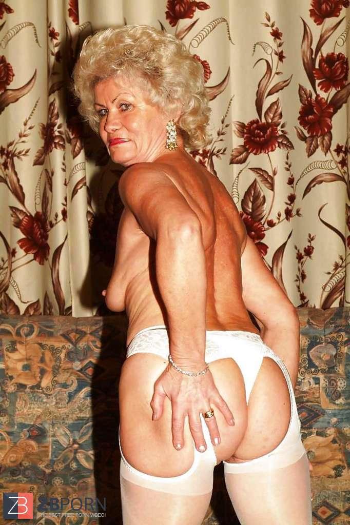 Frau Kackt In Hose