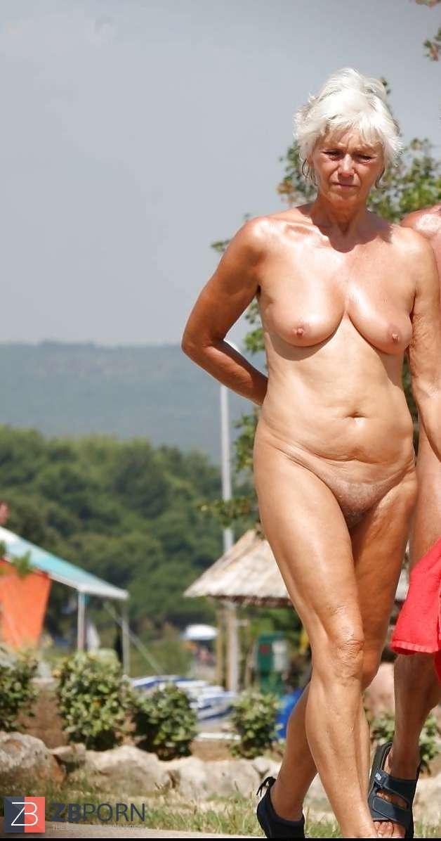 Mature nudists