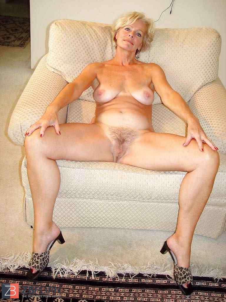 Beautiful Platinum-Blonde Mature Justine Posing By Darkko -3511