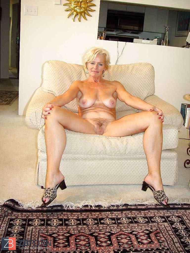 Beautiful Platinum-Blonde Mature Justine Posing By Darkko -5392