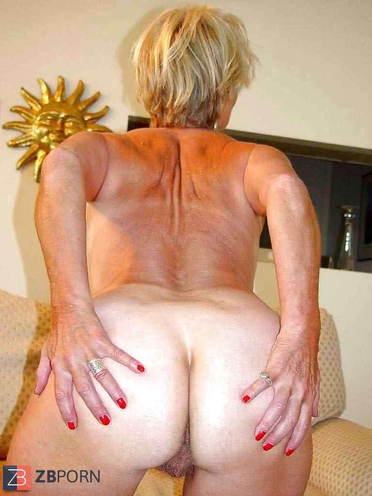 Beautiful Platinum-Blonde Mature Justine Posing By Darkko -1331