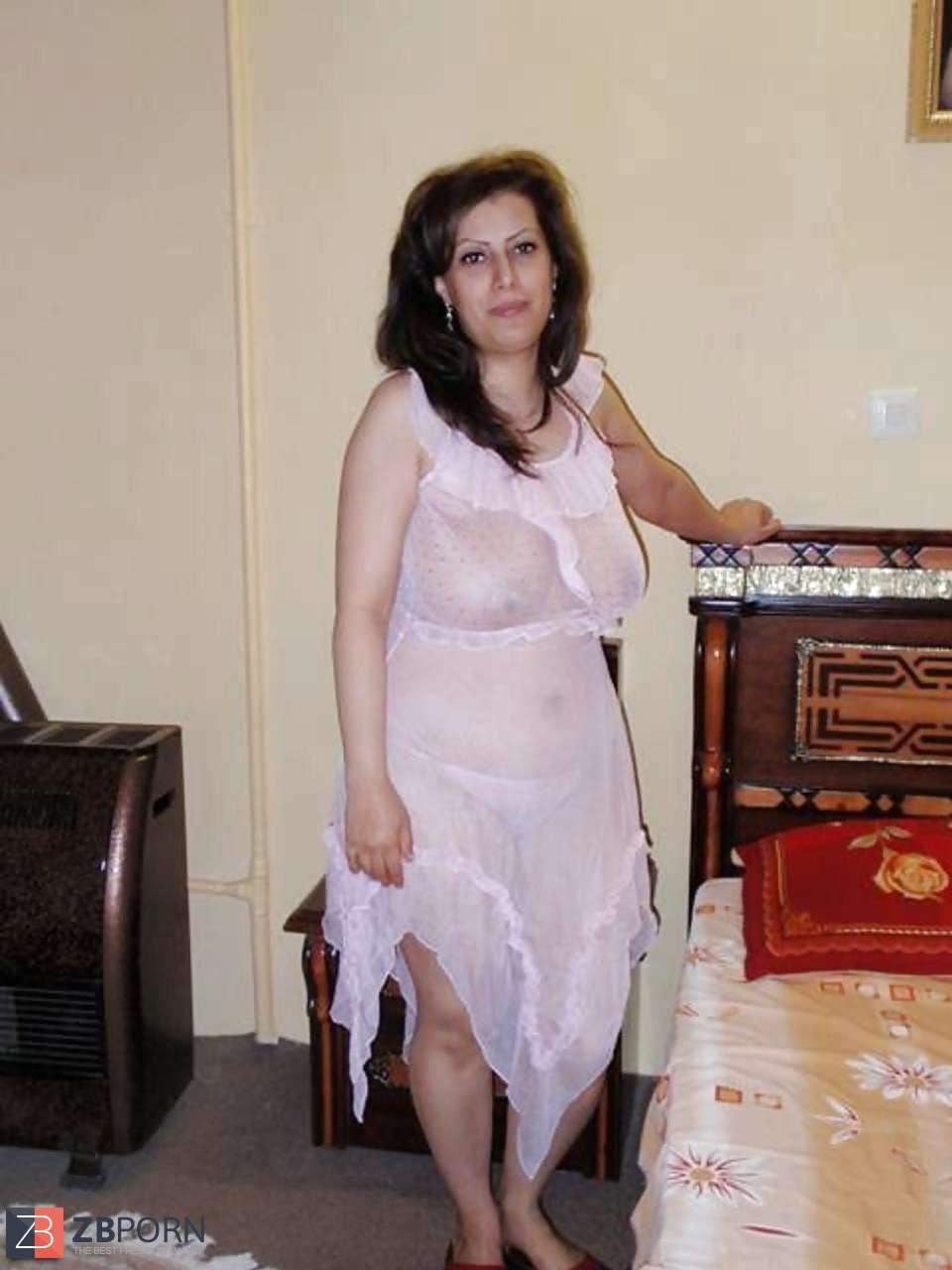 Nude girl pregnant
