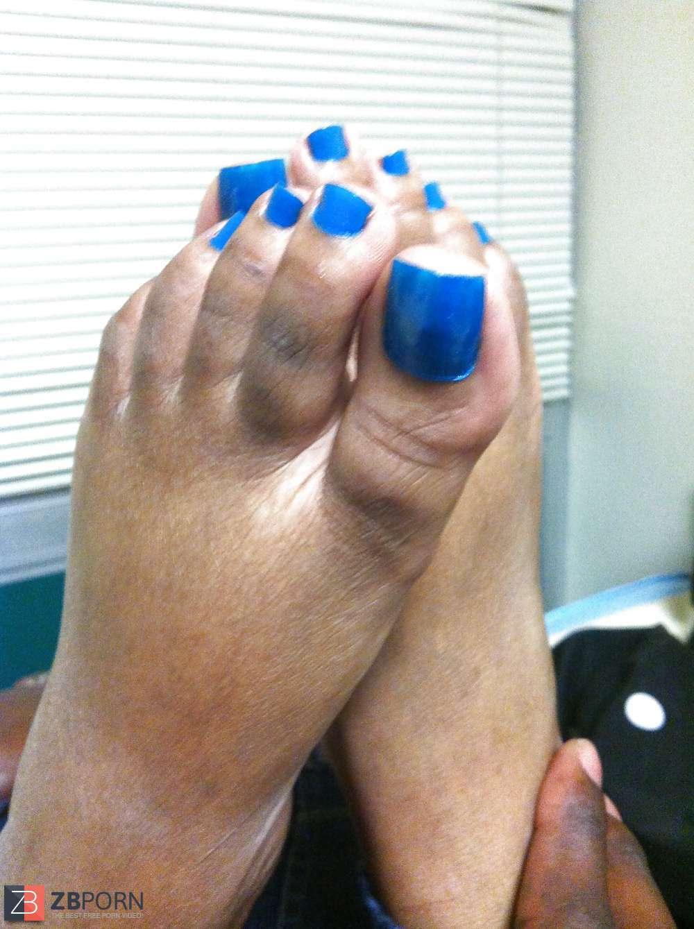 Light Skin Ebony Footjob
