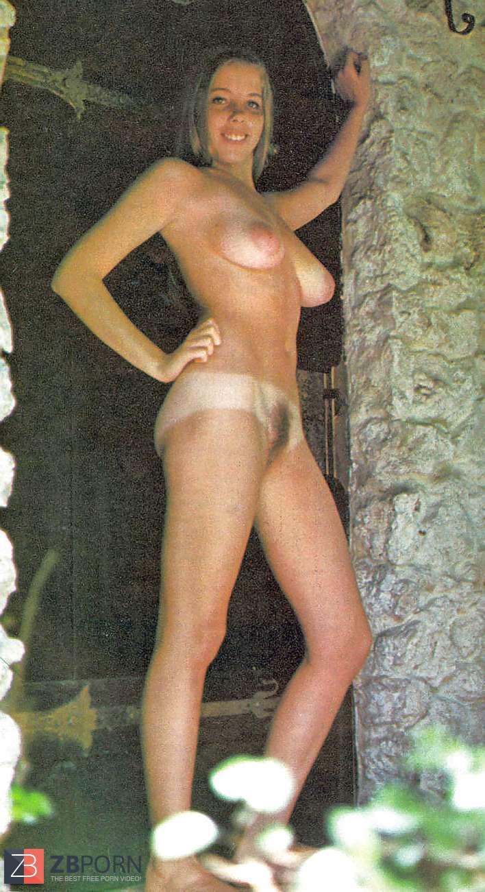 Carol Connors  nackt