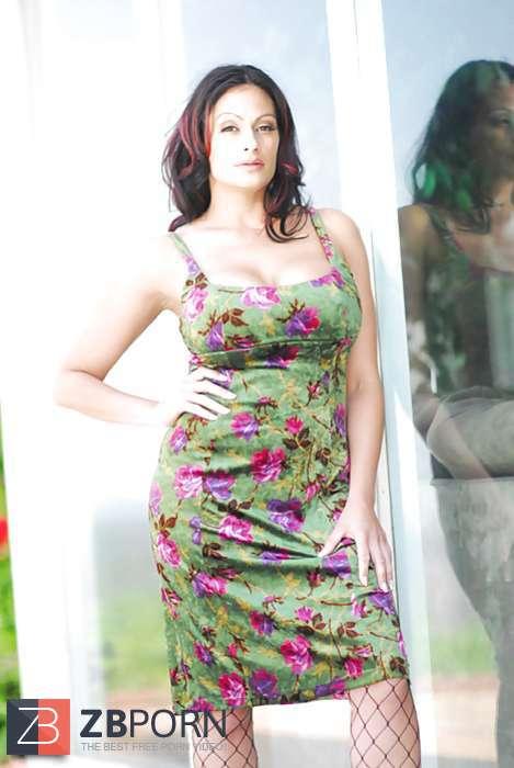 Ava Lauren- Big-Titted Damsel / ZB Porn