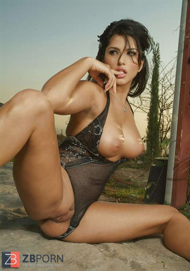 Sunny Leone X