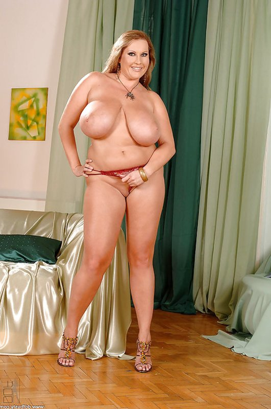 Laura M Nude