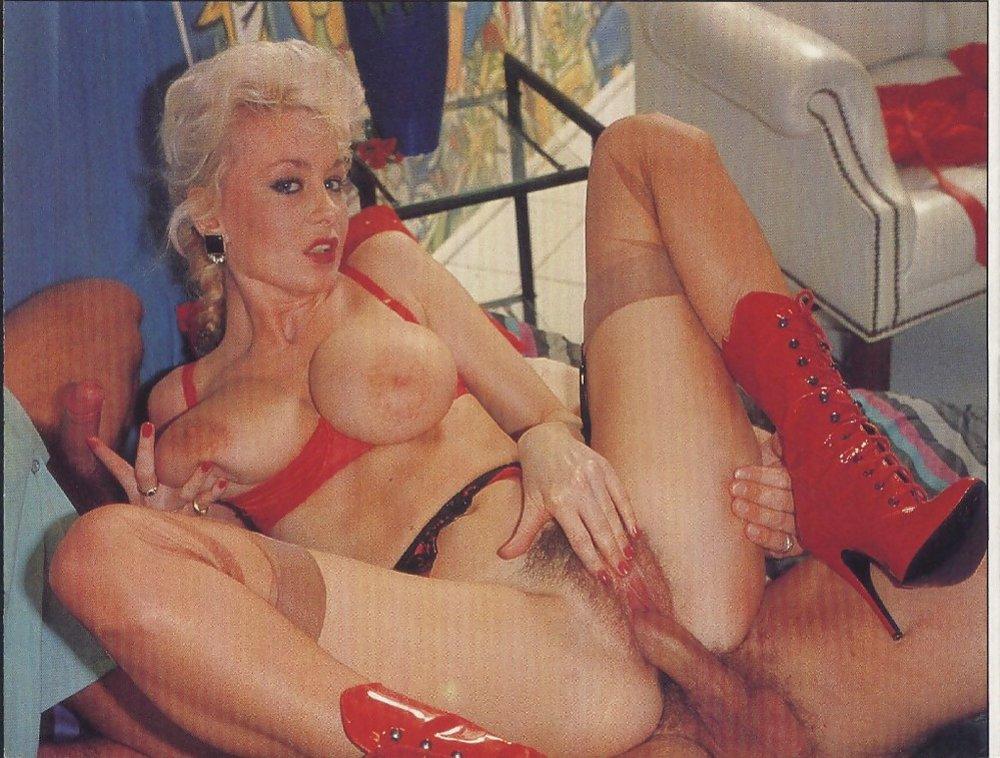 Dolly Muschisaft Upskirt Fisten