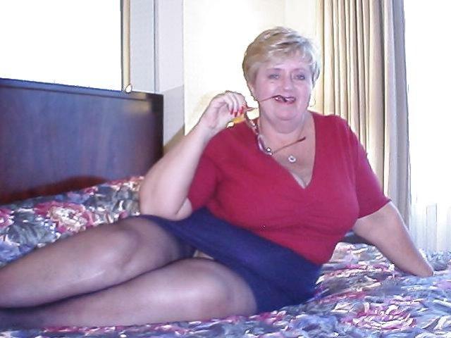Just Granny Upskirts - Mature and Grannies upskirt / ZB Porn