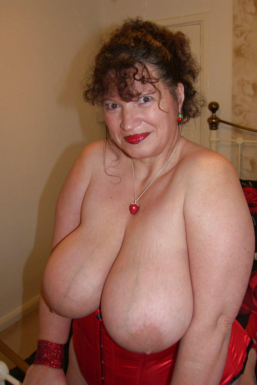 Mature Kim Big Chested 40gg Essex Swinger Superstar Zb Porn
