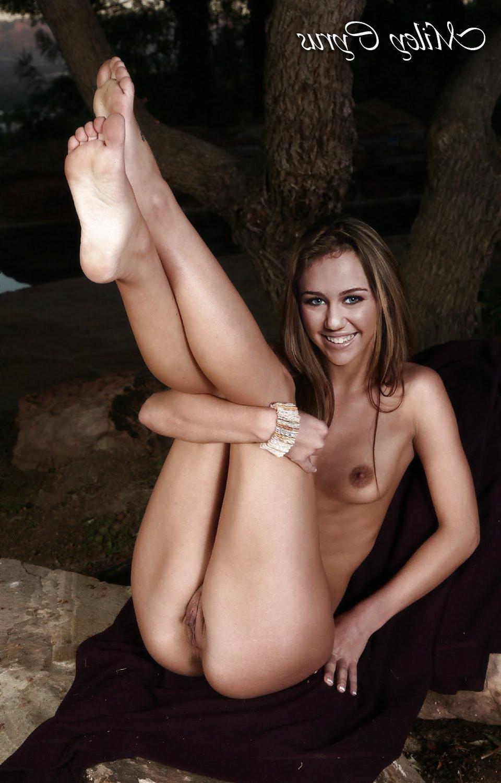 Miley Cyrus Nude Boobs
