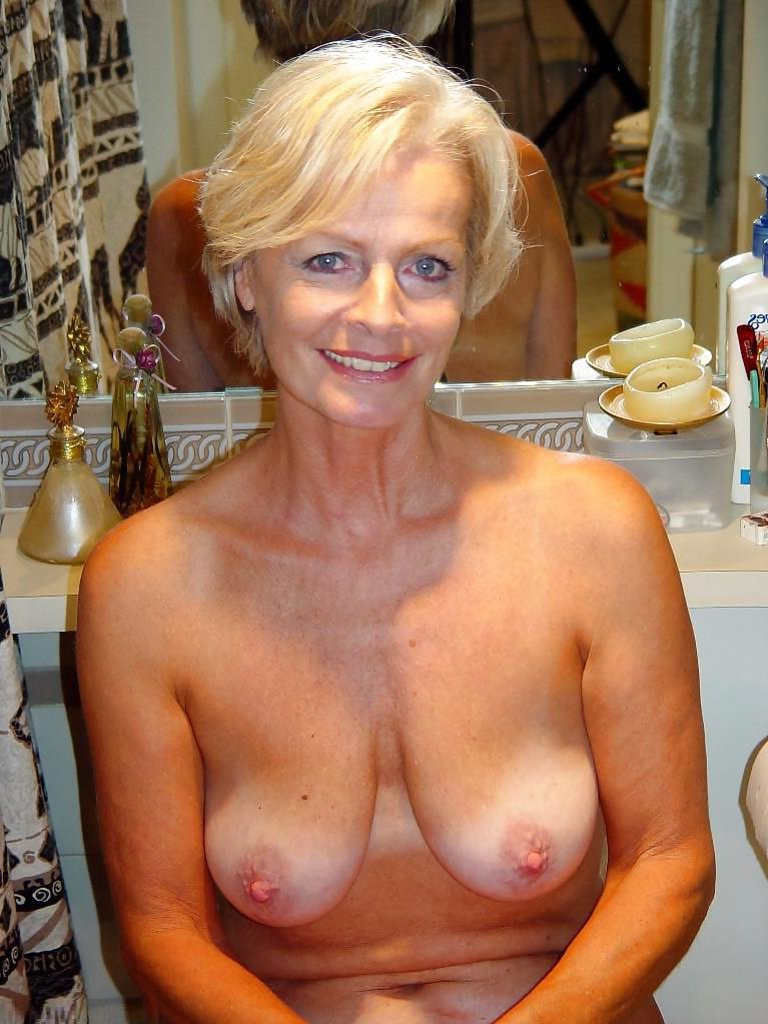 Opinion, posing blonde milf excellent message