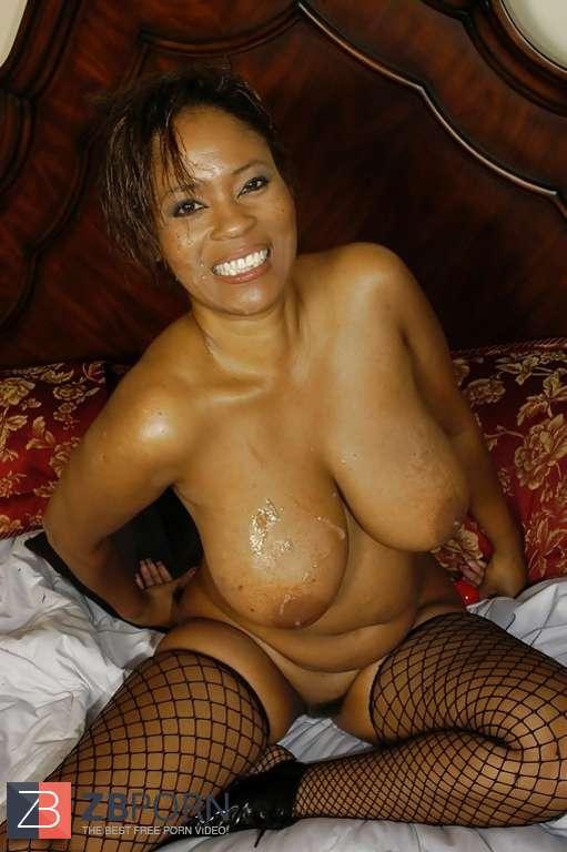 Old naked cougar moms
