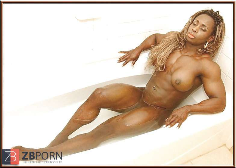 Busty ebony bodybuilder anal fucks male