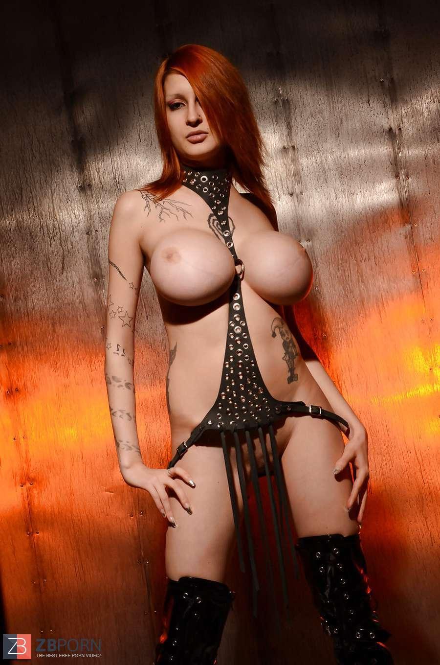 Ariane Alter Hot