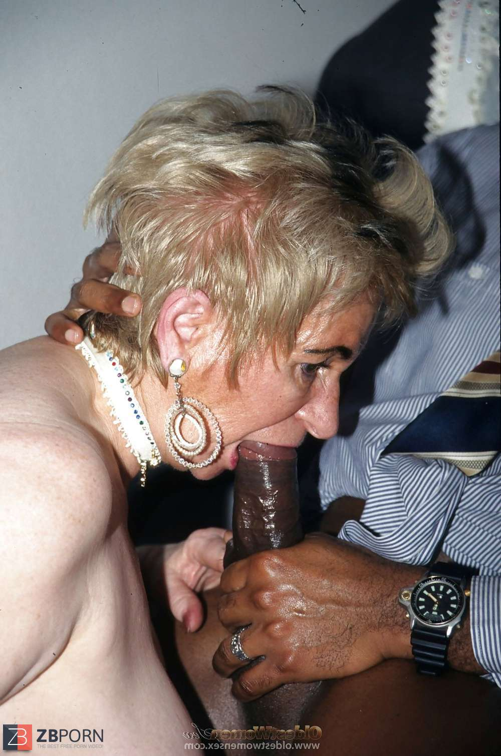 Super Granny Porno